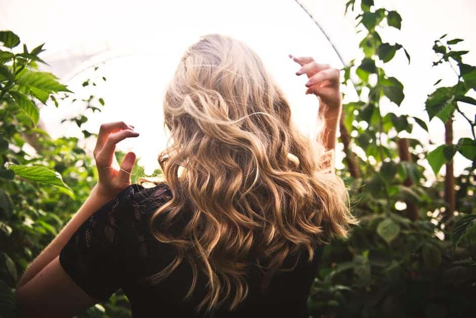 Roos tegengaan: 5 tips voor een mooie hoofdhuid